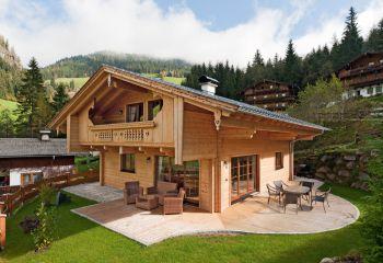 Fullwood: Holzhaus im traditionellen Tiroler Stil